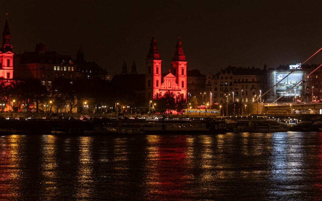 Several buildings in Budapest will be illuminated red on Wednesday, after dark, to draw attention to persecuted and martyred Christians
